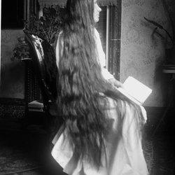 18 Lady long hair Nena Teator-1.jpg