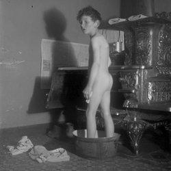 4 Roscoe in bath-1-1.jpg