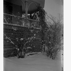 8 Veranda Corner Mooney House-1.jpg