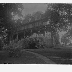 9 Mooney House Summer-1.jpg